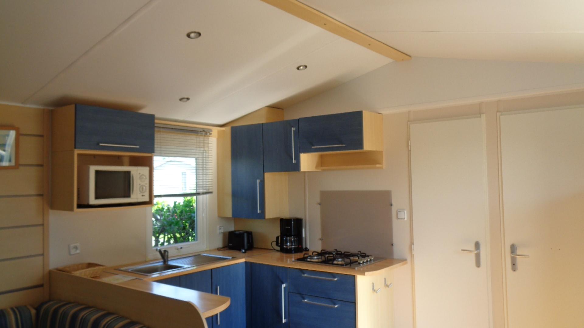 cuisine - Mobil-home 2 chambres climatisé a La Rochelle